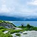 花蓮縣新城鄉家族旅遊,深度旅遊四八高地春,夏,秋,冬無自然生態四八高地又稱奇萊鼻或美崙鼻,此名稱來自歐亞大陸板塊與菲律賓板塊於發生碰撞推擠,使得地殼多次隆起,造就了這樣獨特的海岸地質,台地上有六階較明顯的海階,各海階面上可隨處看見貝類與珊瑚礁化石,不僅如此,這裡也是眺望七星潭月牙灣海岸的最佳地點,居高臨下,觀察地殼隆起、侵蝕、崩塌等帶來的自然奇觀,天氣好時,也能遠望蘇花公路上的清水斷崖。
