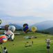 台東縣鹿野鄉不限鹿野高台夏無戶外活動,育樂體驗,人文藝術為台東目前最夯的觀光景點,自2011年開始,於每年6月底~9月初舉行熱氣球嘉年華,清晨與傍晚的熱氣球飛行表演,是每日活動的高潮。 高台地區屬鹿野鄉永安村,是龍田北側的一處高地,海拔約350公尺,特殊的地理條件,因此成為東部一處優良的天然空域活動場地;除熱氣球之外,鹿野高台也是國內外知名的飛行傘場地之一,更是花東縱谷國家風景區規劃的高台飛行傘訓練示範場。草坡最高處的高眺亭,可俯瞰高台地區與卑南溪谷底的景色,山野風光,一覽無遺。